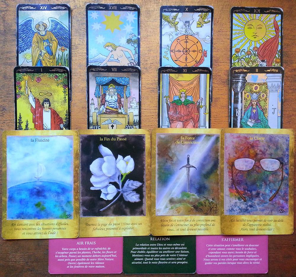 Cartes tirées du Golden Universal Tarot de Roberto De Angelis, de l'Oracle Les Portes de l'Intuition de Vanessa Mielczareck et Brigitte Barberane, et de L'Oracle des Anges de Doreen Virtue