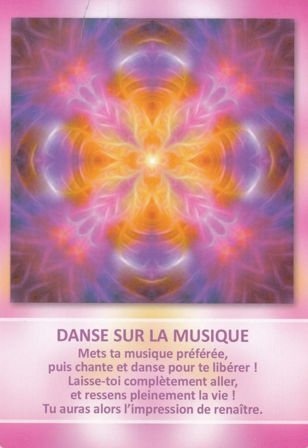 Carte de L'Oracle des Mandalas d'Énergie de Gaby Shayana Hoffmann - Énergies Avril 2021 (Portail 4-4 / 22-4) : Accueillir son Feu Sacré et Manifester ses Aspirations