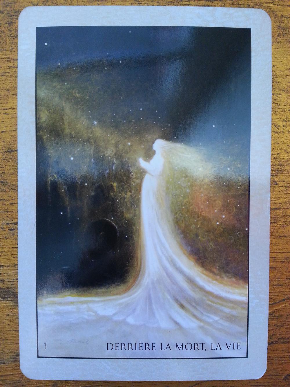 Carte tirée de L'Oracle de Roumi d'Alana Fairchild - Derrière la Mort, la Vie