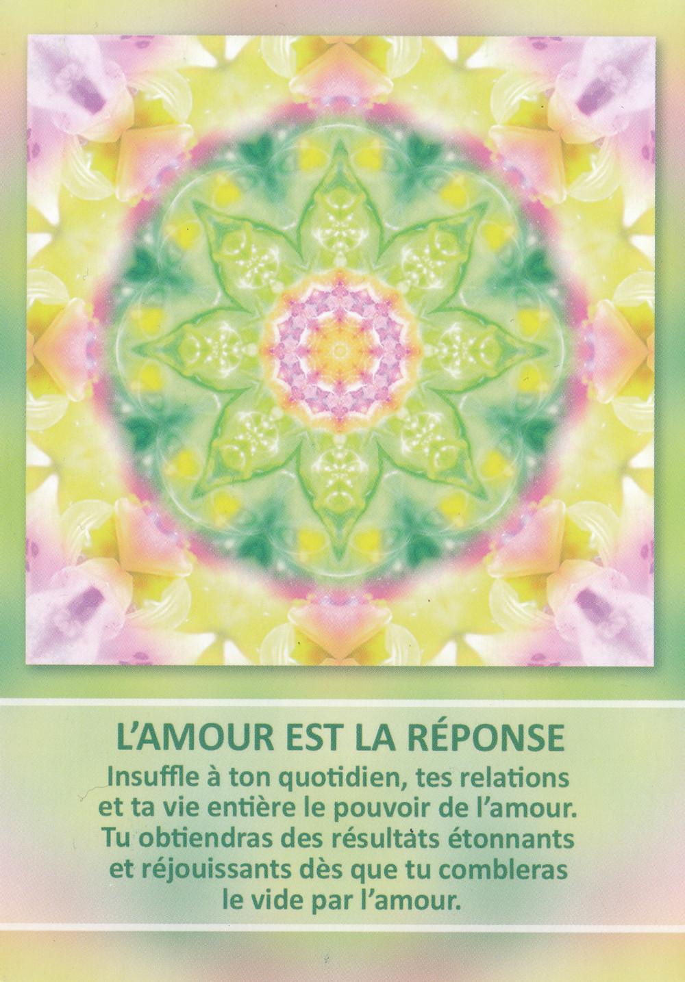 Carte tirée de l'Oracle des Mandalas d'Énergie de Gaby Shayana Hoffmann - L'Amour est la réponse. Energies du weekend du 24 25 26 mai 2019 : en route vers un nouveau voyage de cœur