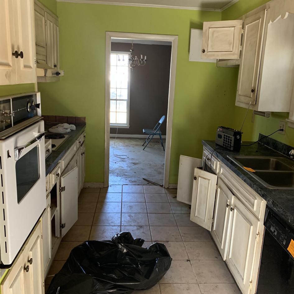 Flip Propery - Before Kitchen