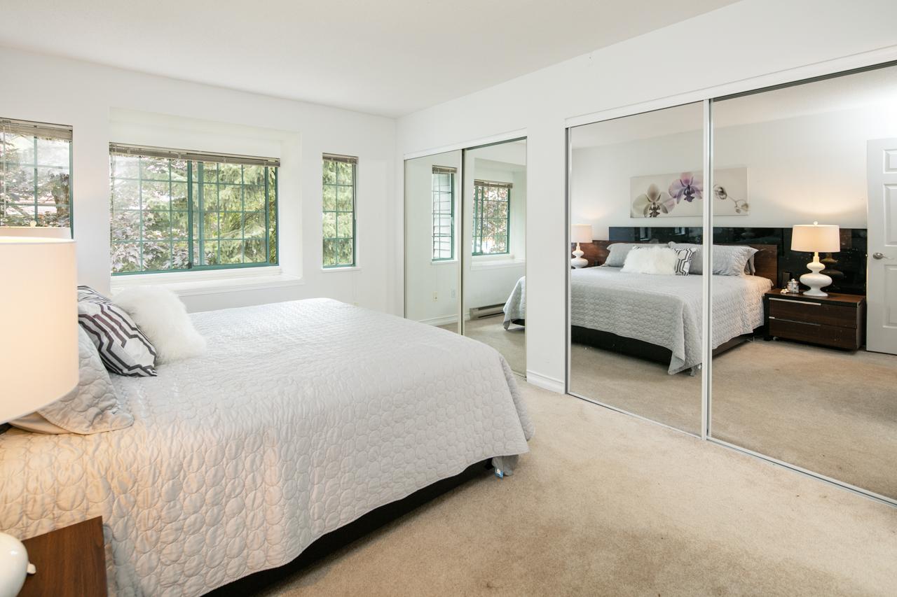 98Master Bedroom-3