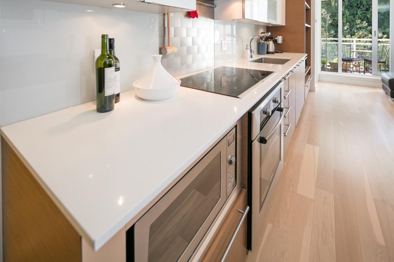 Kitchen Conter.jpg