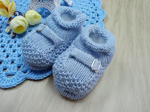 Sapatinho de Bebê em Tricô Fivela