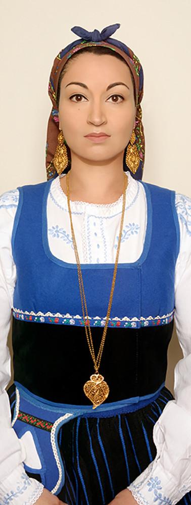 PORTUGUES WOMAN