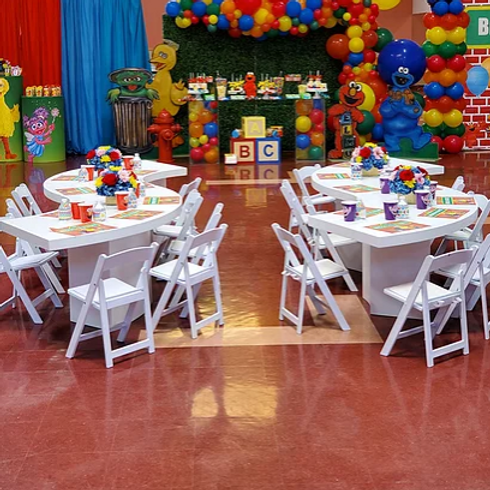 Kids Serpentine Tables w/Chairs