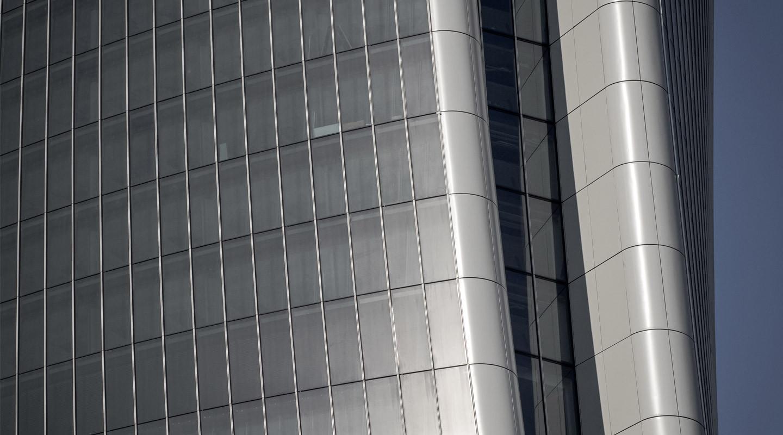 Torre_Hadid_Facade_Credits To CMB.jpg