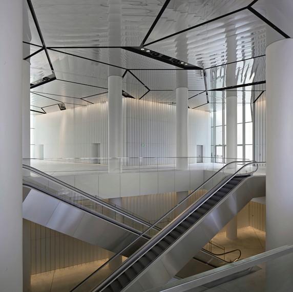 Isozaki Towwer - Foto Hall 3 inside  - C