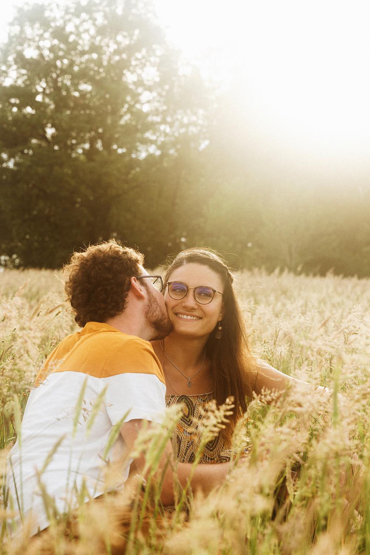 photo de couple golden hour