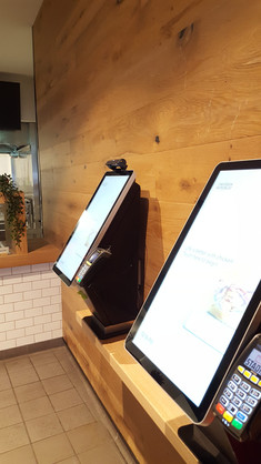 UV CLEAN Self Service Kiosk
