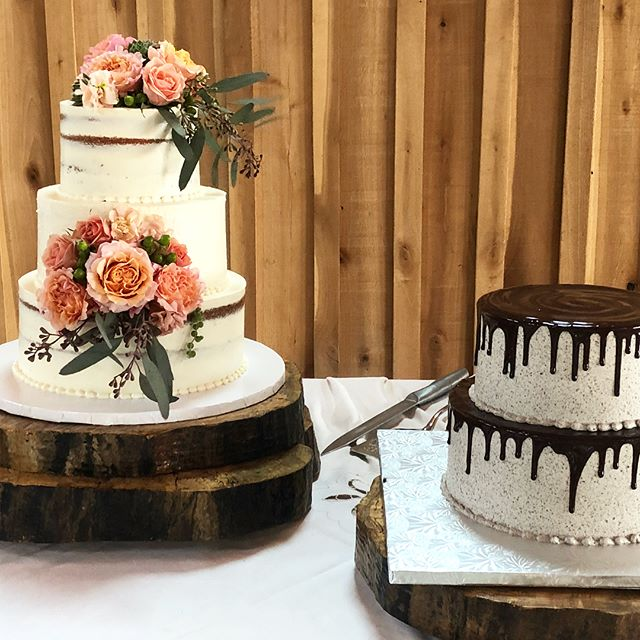 Beautiful cakes for a beautiful couple!!