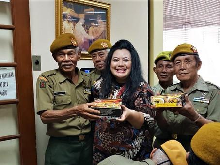300 PAKET SAMBAL KARMILA UNTUK VETERAN REPUBLIK INDONESIA