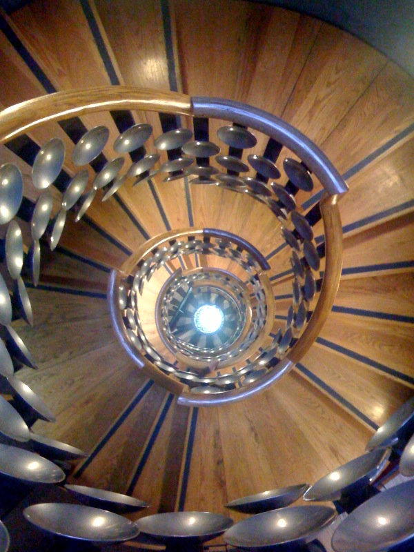 Magic_Circle_staircase.jpg