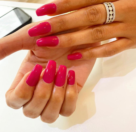acryllic nails red
