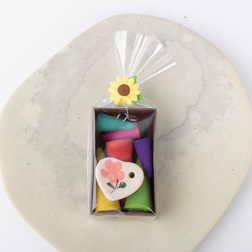 Trade Aid Gift Set - Incense cones and loveheart dish