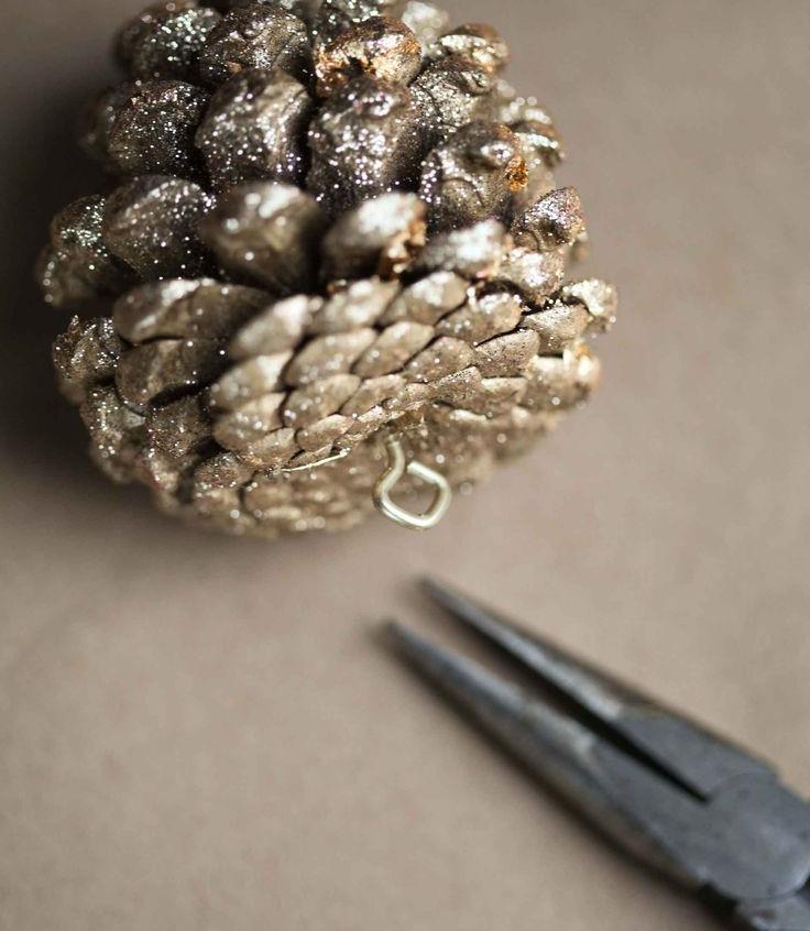 glitter-pinecone