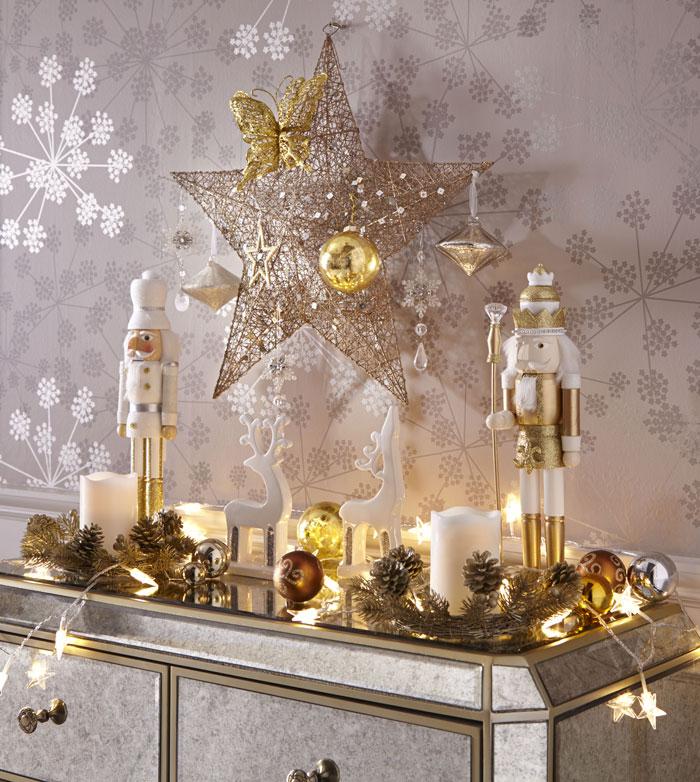 High_res_Gold_Star_Christmas_Decoration_Set