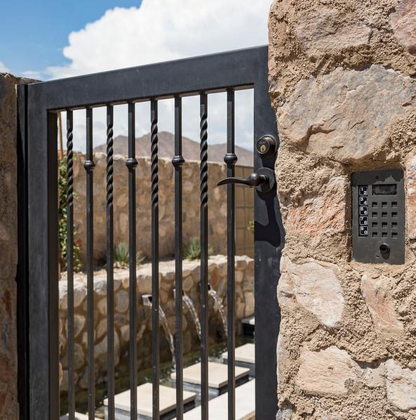 GATE_004.jpg