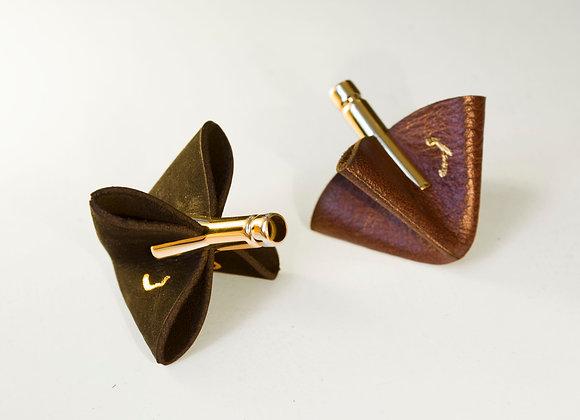 2 Dreidels black and brown