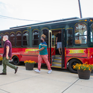 trolley-tour-group.jpg