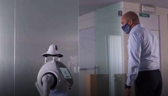 Ouverture sécurisée à l'heure du coronavirus : ce robot veille au respect des mesures