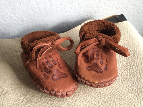 Handmade baby moccasins with bear paw design, Size 3-6 Months, Ready to Ship