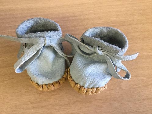Handmade Newborn  Baby Moccasins, Ready to Ship
