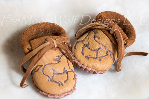Hand Sewn Baby Moccasins, Ready to Ship, Size 0-3 Month Infant Moccs