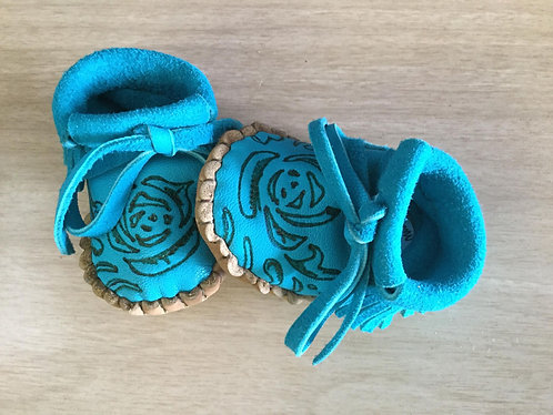 Newborn Baby Moccasins, Handmade, Ready to Ship, Turquoise Deer Hide Moccs