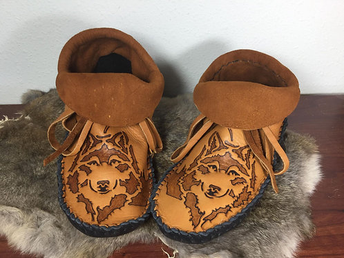Hand Sewn Short Moccasins, Men's Size 11, Wolf Design, Ready to Ship