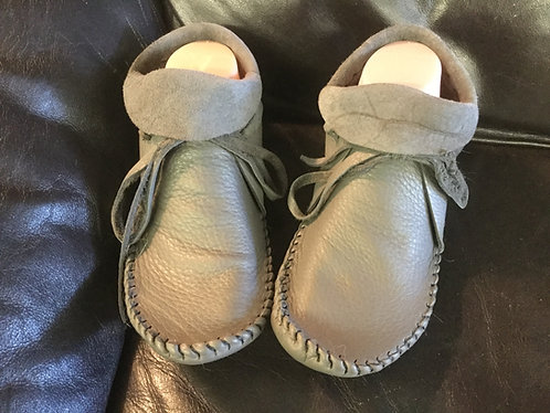 Hand Sewn Moccasins, Women's Size 9, Grey Deer Hide Moccs, Ready to Ship