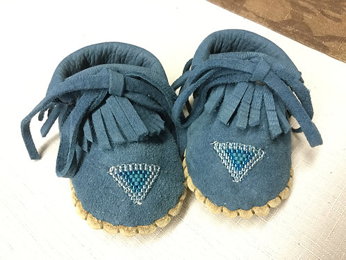 Hand beaded baby moccasins, Size 3 months, Ready to ship
