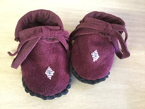 Hand Sewn, Beaded Baby Moccasins, Size 3 month, Ready to ship
