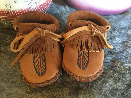 Hand sewn fringe baby moccasins, Ready to Ship