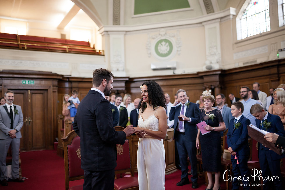 The Albion Pub Wedding, London, Islington captured by Grace Pham Photography 1
