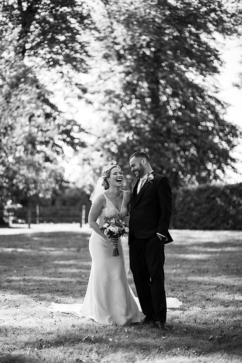 Bury Court Farm Wedding, Farnham, captured by Grace Pham Photography 08