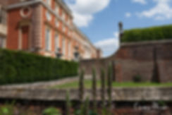 Hampton Court Palace Wedding Venue in Summer by Surrey Wedding Photographer 04
