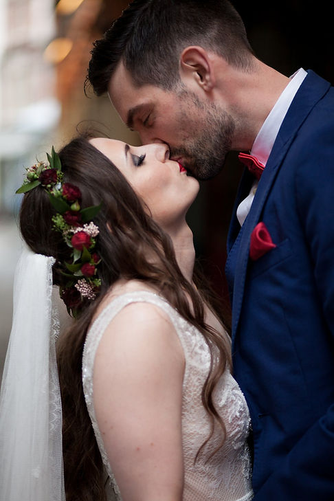 The Lamb Tavern Leadenhall Market Wedding captured by Grace Pham Photography 01