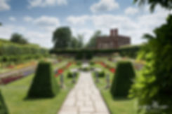 Hampton Court Palace Wedding Venue in Summer by Surrey Wedding Photographer 02