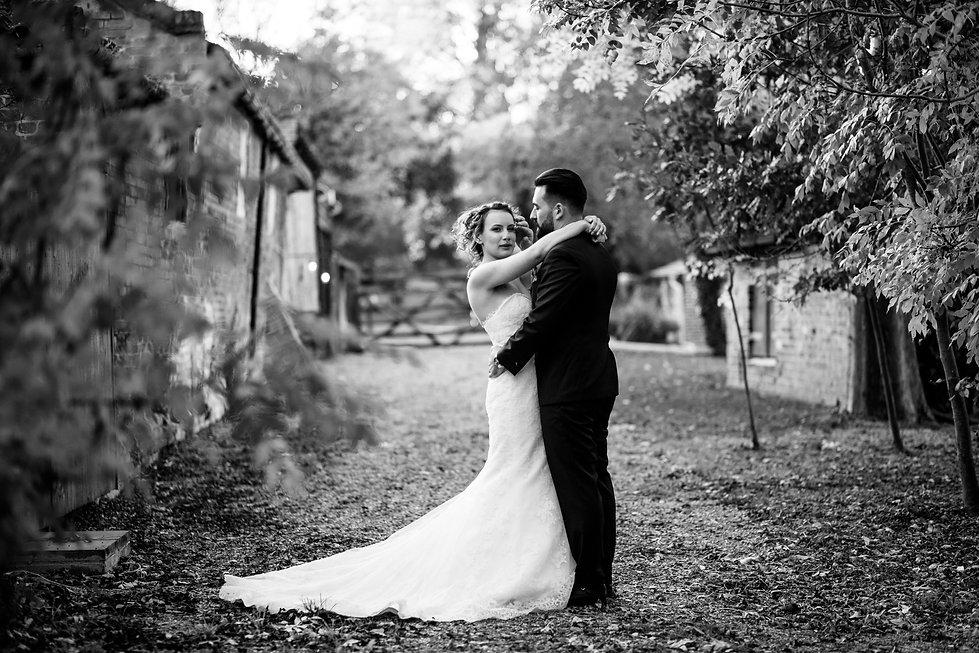 The Tudor Barn Belstead Wedding captured by Grace Pham Photography 05