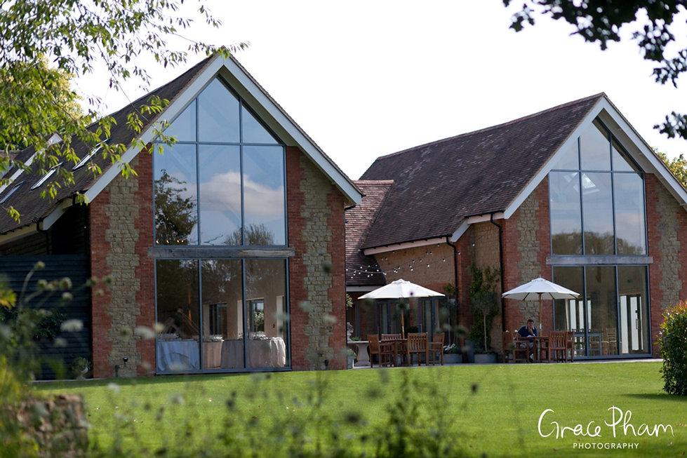 Millbridge Court Wedding Venue,Surrey Wedding Photographer 03