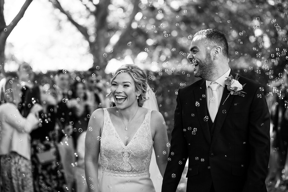 Bury Court Farm Wedding, Farnham, captured by Grace Pham Photography 02