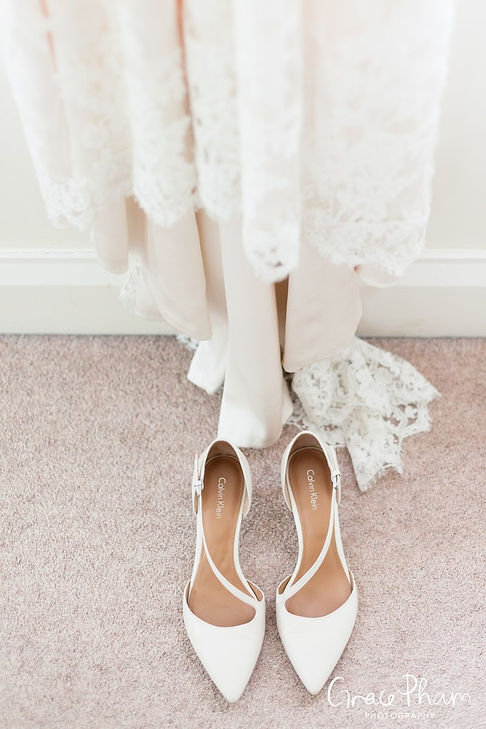 Bridal preparation at The Limes, Broombarn Lane, HP16 9PF by  Grace Pham Wedding Photography 02