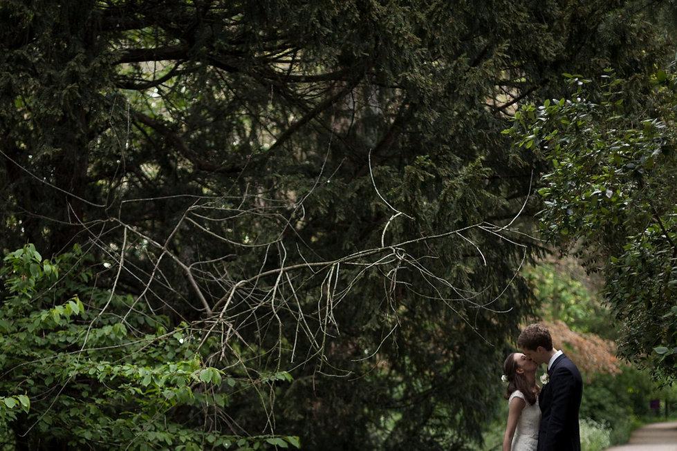 Fulham Palace Garden Wedding Photographer 06