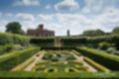 Hampton Court Palace Wedding Venue in Summer by Surrey Wedding Photographer 05