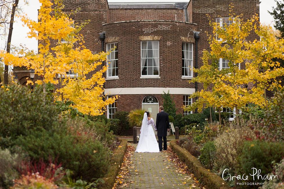 Late Autumnwedding at Merton Register Office, Morden Park House