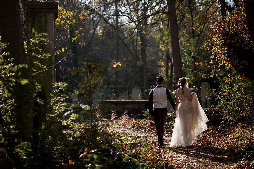 Boho Autumn elopement styled shoot, tower hamlets cemetery, east London wedding, Grace Pham photography 01