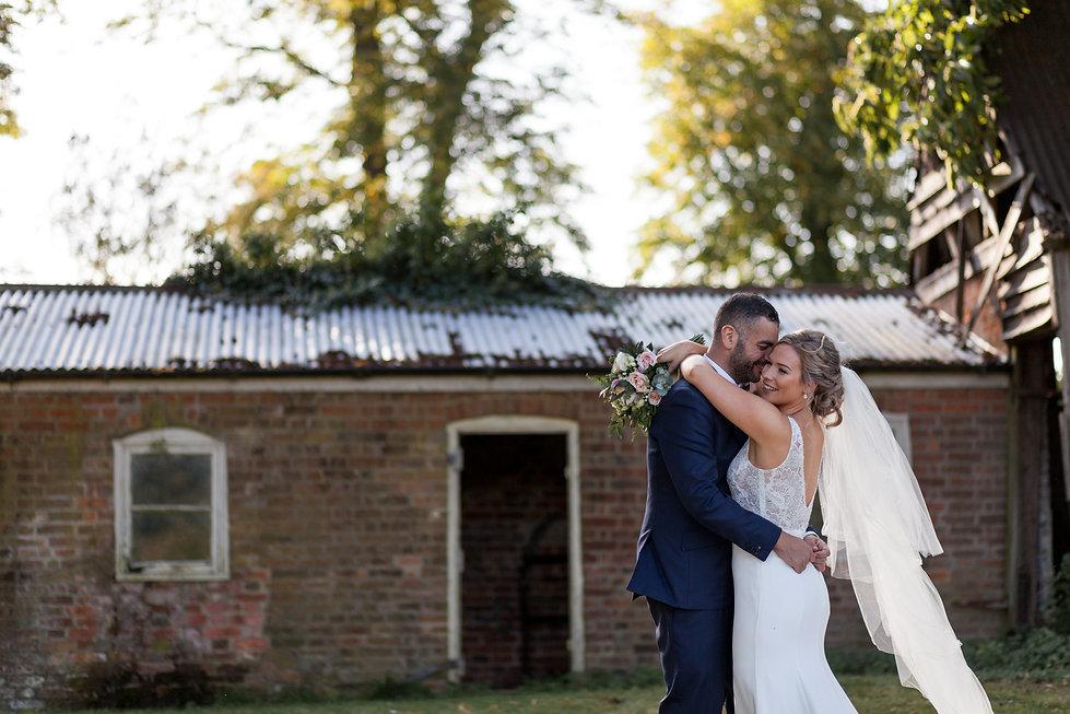 Bury Court Farm Wedding, Farnham, captured by Grace Pham Photography 07