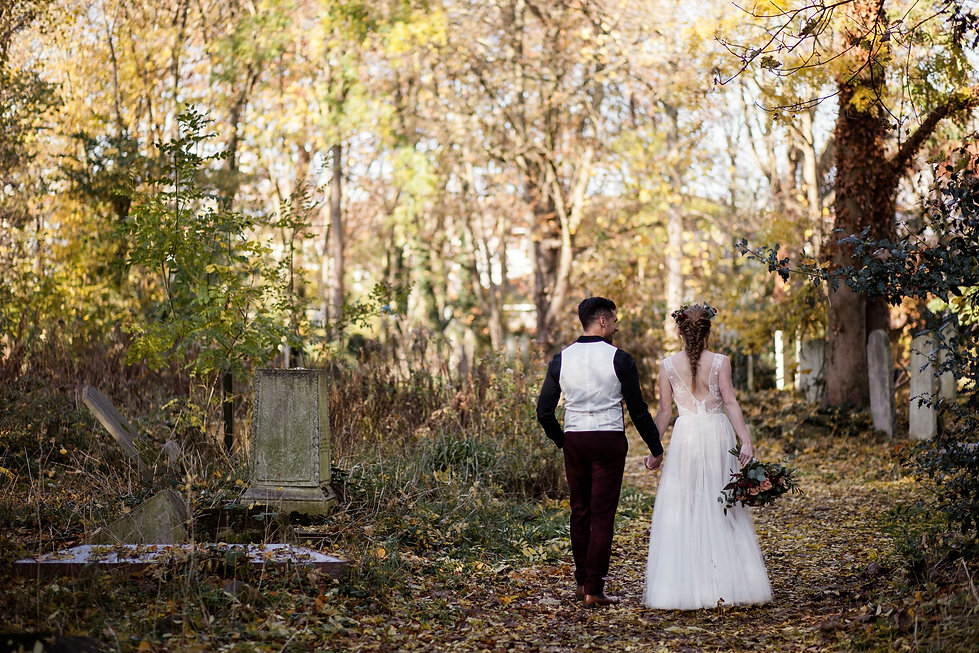 Boho Autumn elopement styled shoot, tower hamlets cemetery, east London wedding, Grace Pham photography 13