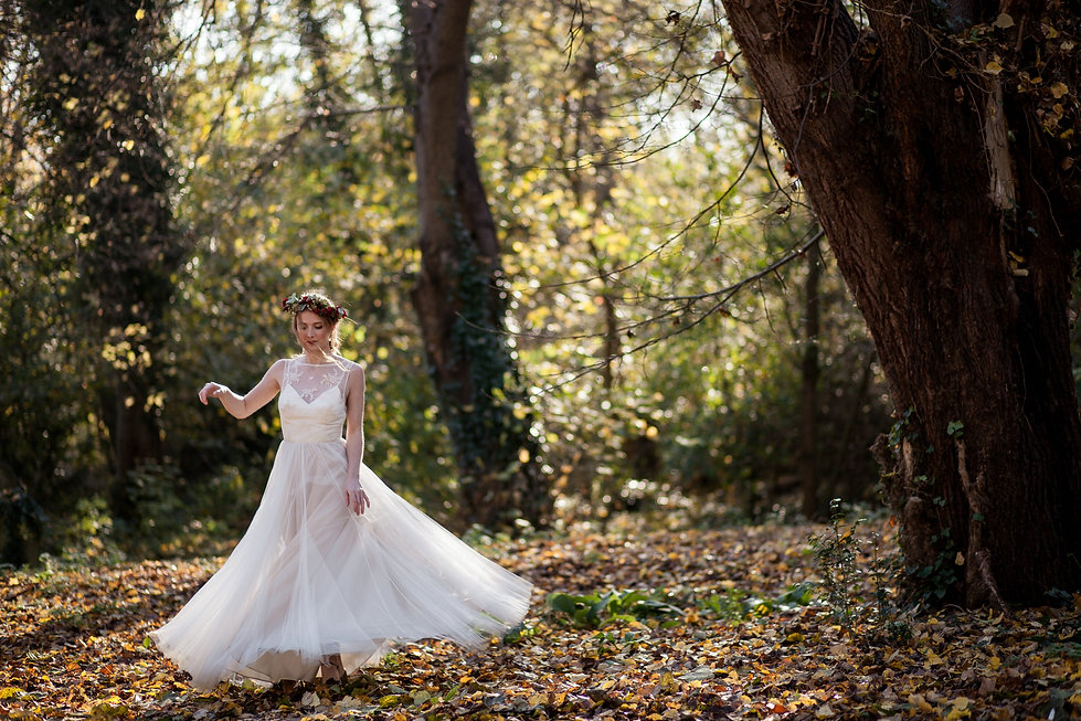 Boho Autumn elopement styled shoot, tower hamlets cemetery, east London wedding, Grace Pham photography 16